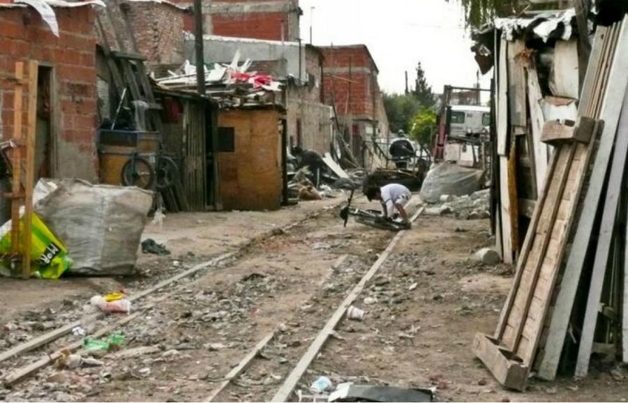 condiciones estructurales que generan pobreza